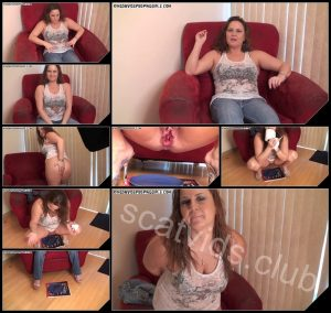 [KingDavidsPoopingGirls com – VoyeurPotty com] Spring Big Dump On A Blue Plate   [Scat, Piss, Pooping]