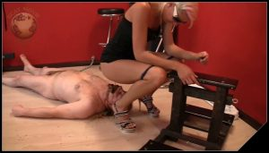 [Scat-Movie-World com] Very dirty scat session [ Scat, Pissing, Femdom, Humiliation, Whipping, Trampling, Spitting]