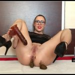 [ScatShop com] EllaGilbert - Sensual dance, dirty cock sucking [ Scat, Dildo]