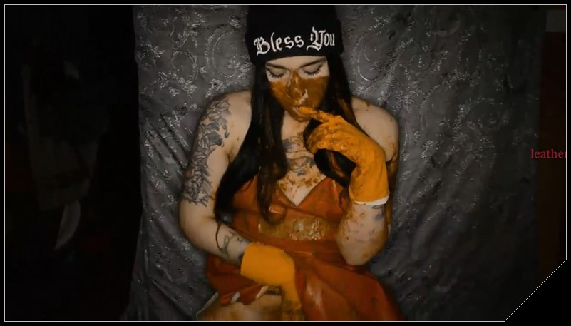[ScatShop.com] SweetBettyParlour.Testing Rubber Gloves In APOCALYPTIC room  [Scat, Piss, Enema, Vomit, Teen]