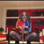 Josslyn Kane - Harley Quinn is fucking her horse dildo and pooping