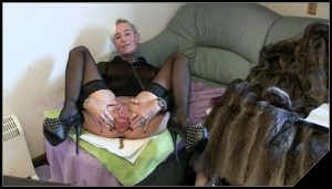 Lady-Isabell666 – incoming drink kaken eat a lot of fun with it