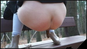 Power-Pissing – Annie Removed Videos – Shitting on the bench