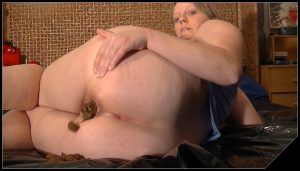 CandysMegaKV – Women Pooping Special 05
