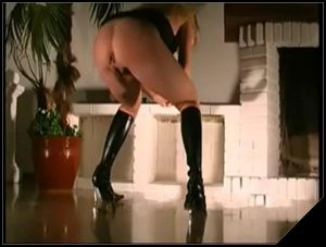Ana pissing and pooping on the floor near the fireplace – Pooping, pissing girls and scat porn videos