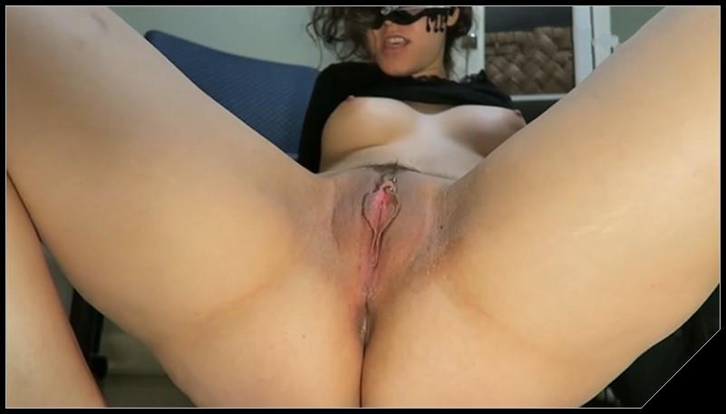 LoveRachelle2 - LoveRachelle2 s Scat-Scapades - Ripping Farts and Shitting