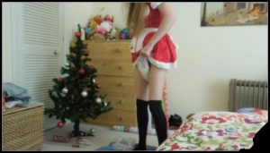 Santas Dirty Little Helper [Scat, shit,defecation,smearing,shit pampers,big shit]