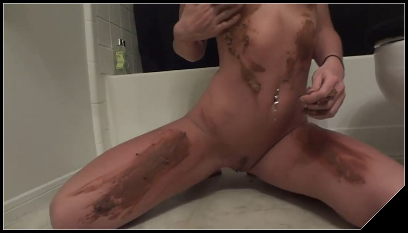 This Girl Is Way Too Hot for Scat 1 [Scat solo, shit, defecation, shitty ass, masturbation, big shit, smearing]