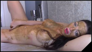 EvaMarie88 – Dirty Talking Scat Play [Scat solo, shit, defecation, Pissing, Dirty anal, Smearing,  Dildo masturbation]