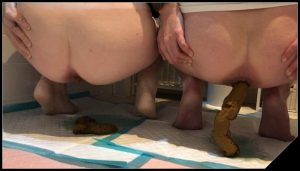Two Lesbians Shitting At The Same Time [Scat Lesbians, shit, defecation, pissing, Dirty Ass ]