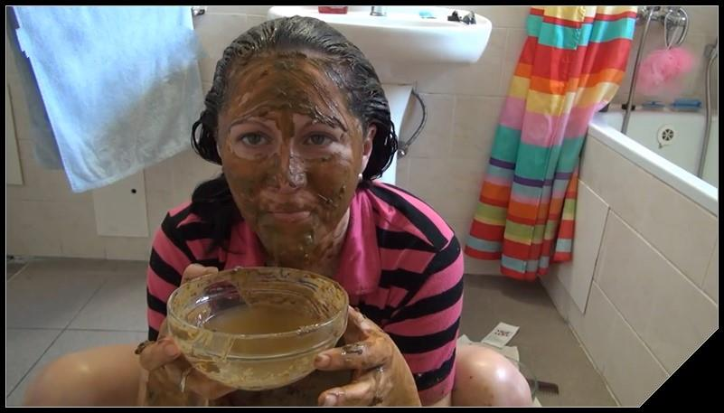 DirtyScatGirl Hair Coloring Scat solo shit defecation Pissing Big Shit Dirty Ass Masturbation Smearing cover - DirtyScatGirl - Hair Coloring [Scat solo, shit, defecation, Pissing, Masturbation, Smearing]