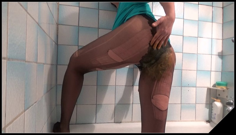 Broken pantyhose in breakfast [Scat solo, shit, defecation, Masturbation, Panty pooping, pantyhose,Smearing, Pissing]