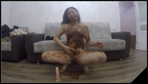 Asiansteppe – My first Scat Scene [Scat solo, shit, defecation, Masturbation,  Smearing, Pissing,  Dildo masturbation]